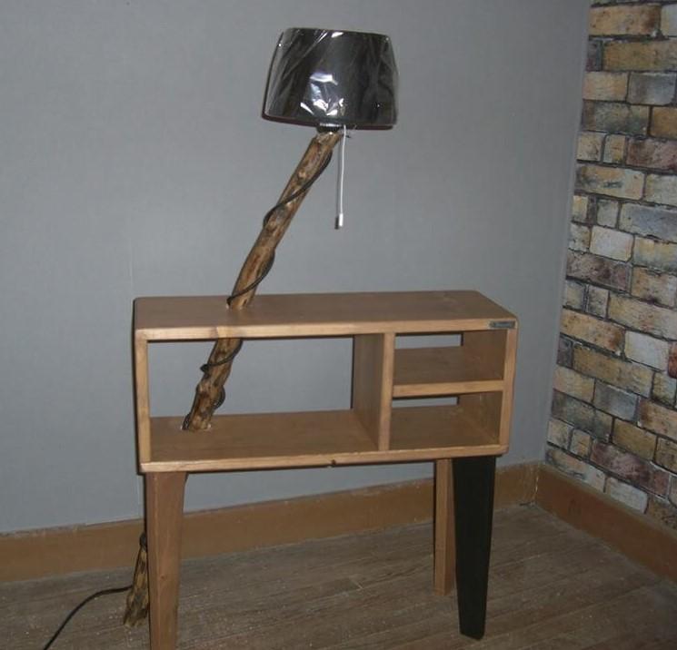 Table de nuit lampe integrée